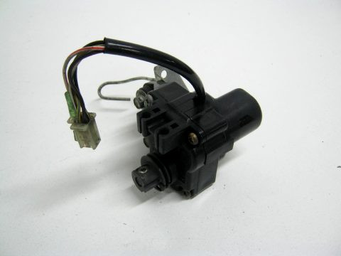 moteur lectrique de valve d 39 chappement yamaha 750 yzf type 4fm an 1997. Black Bedroom Furniture Sets. Home Design Ideas